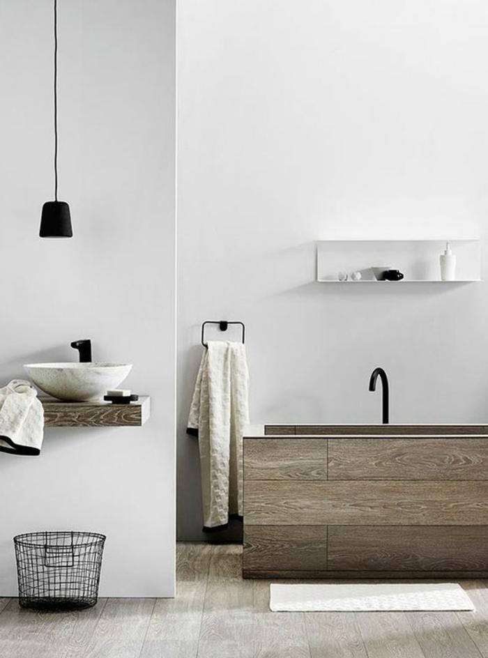 lampen und leuchten badezimmer beleuchtung hängeleuchte weiße wände coole badewanne
