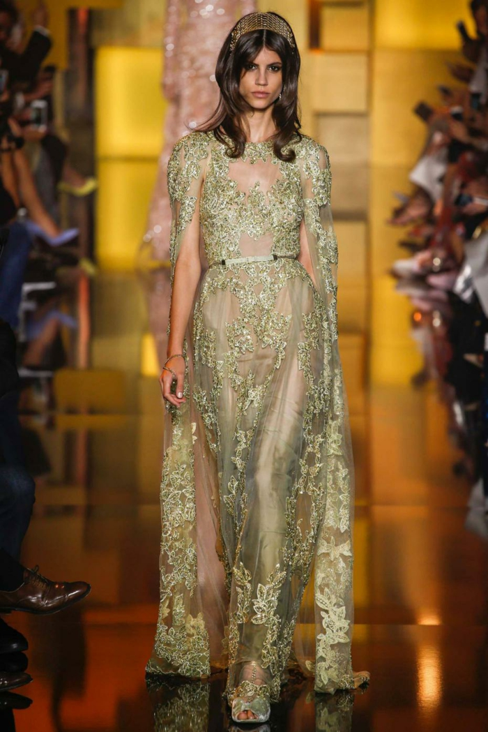 Kleid weib gold lang