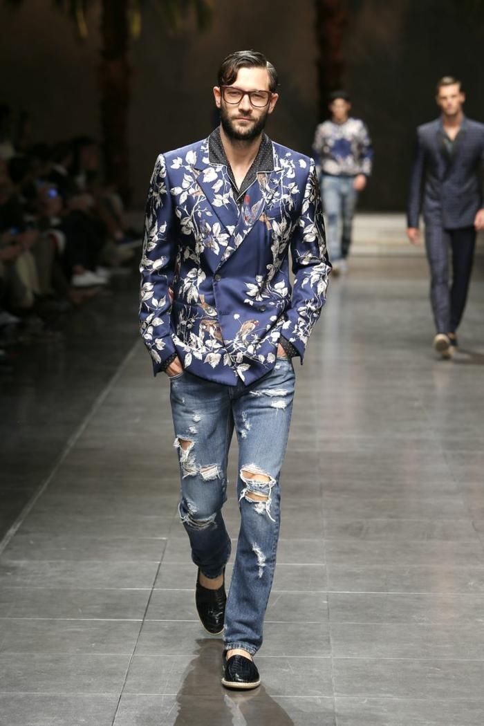 männermode trends 2016 casual street style sakko florale muster jeanshose dolce gabbana