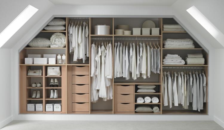 moderne Garderoben Kleiderschrank mit vielen Schubladen und Fächeren
