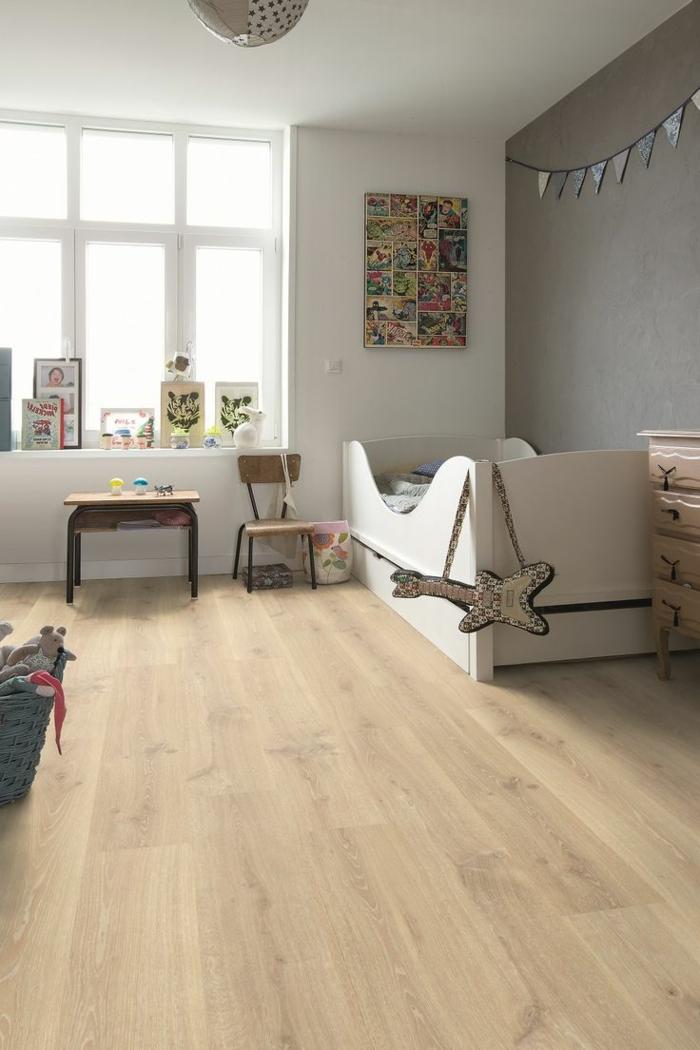 moderne bodenbeläge kinderzimmer holzboden weiße wände