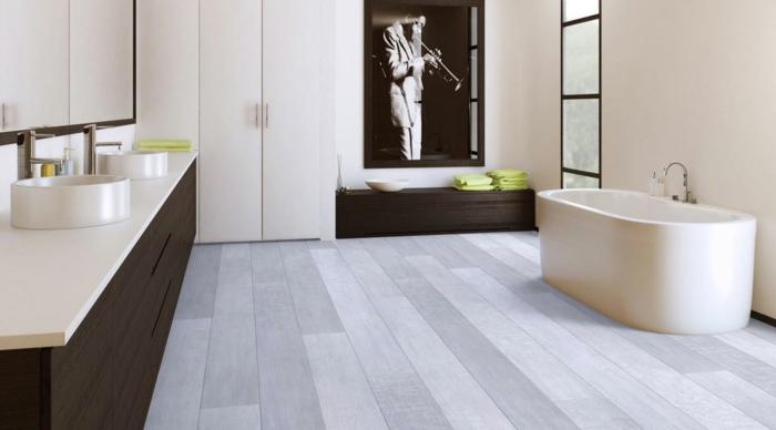 moderne bodenbeläge vinyl badezimmer einrichten badewanne stauraum waschbeckenunterschrank