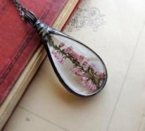 Glasterrarien und getrocknete Blumen als  Modeschmuck Ketten
