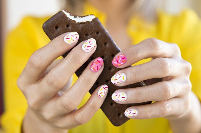 nageldesigns fingernägel design nailart abstrakt confetti muster bunt nagellack