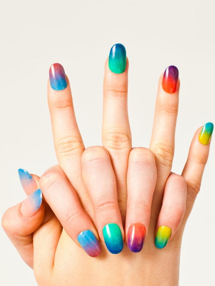 fingernägel design nailart bunte nägel nagellack regenbogen farben