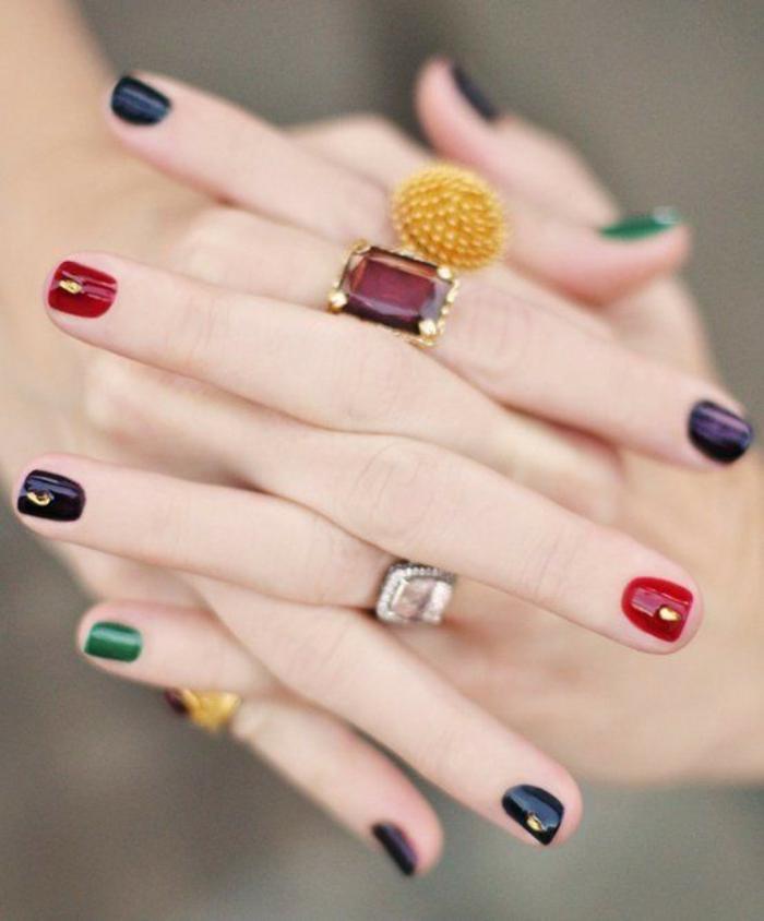 nageldesigns fingernägel design nailart gedeckte farben nagellack gold akzente