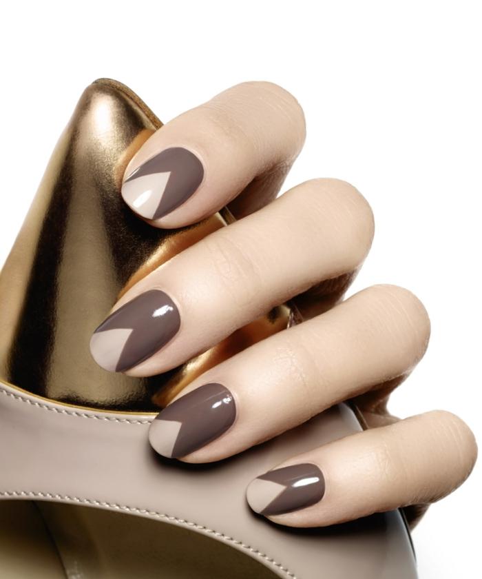 fingernägel design nailart geometrisch gelnägel nude cappuchino farben