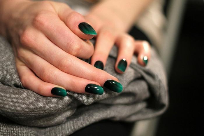 nageldesigns fingernägel design nailart ombre grasgrün nagellack