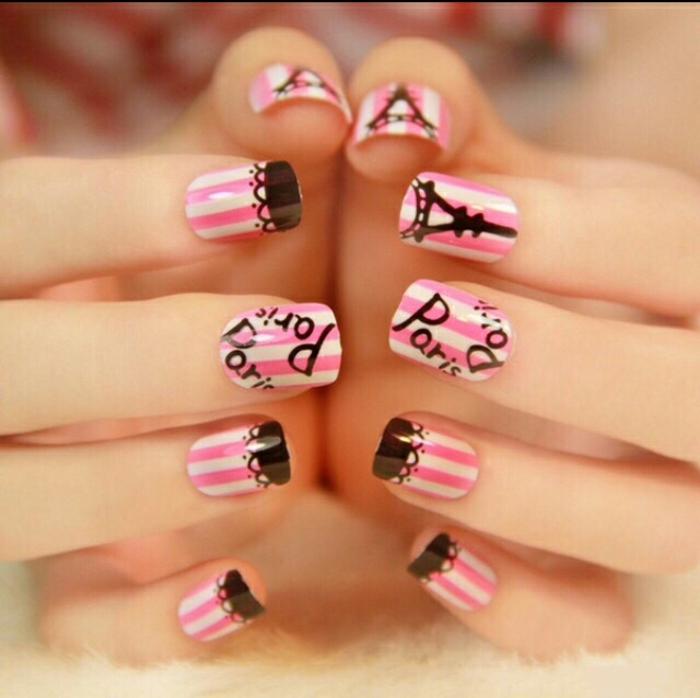 nageldesigns fingernägel design nailart paris motive rosa weiß schwarz nagellack gelnägel