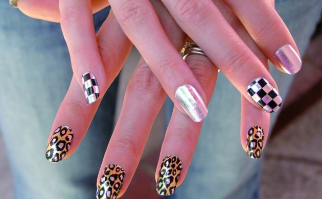 nageldesigns-fingernägel-design-nailart-tierprints-schachmatt-muster-silerglanz