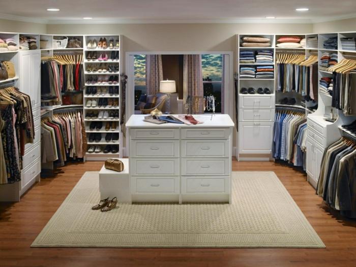 Ankleidezimmer dachschräge beleuchtung  Offener Kleiderschrank - 39 Beispiele, wie der Kleiderschrank ohne ...