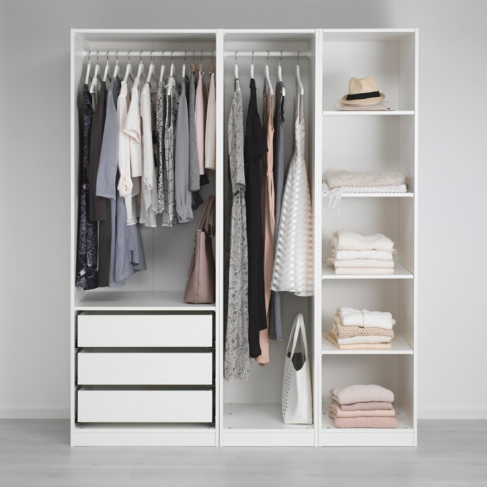 Offener kleiderschrank 39 beispiele wie der for Wardrobe ideas for small rooms