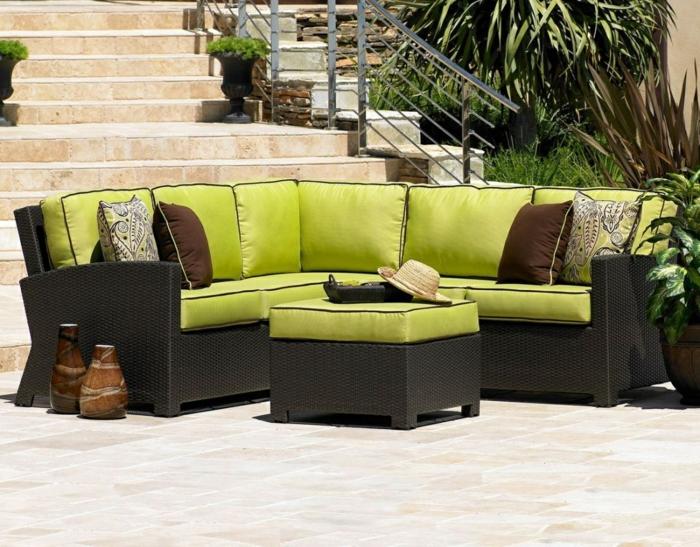 rattan sofa garten ecksofa grüne auflagen gartenideen
