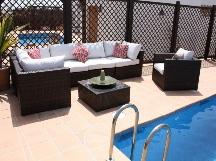 35 rattan sofa f r garten sofas aus rattan sind perfekt. Black Bedroom Furniture Sets. Home Design Ideas