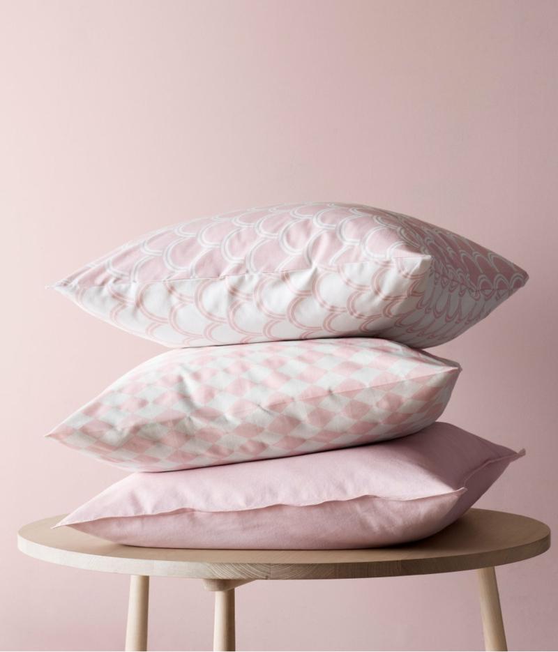 Dekoartikel fürs Schlafzimmer in Rosa und Silber von H&M Home ...