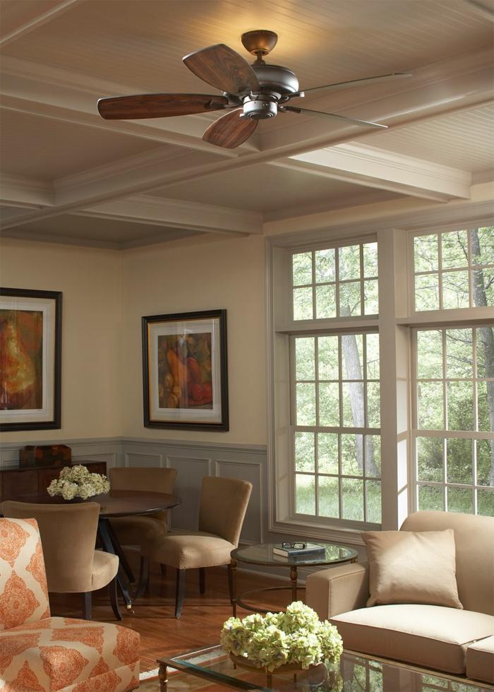 schöne wohnideen wohnzimmer einrichten beige möbel helle wände blumen