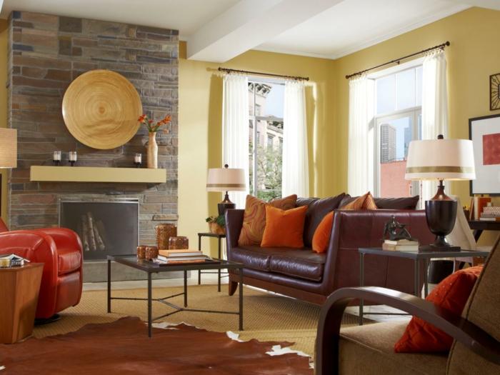 Schöne Wohnideen Wohnzimmer Fellteppich Kamin Steinwand Sisalteppich
