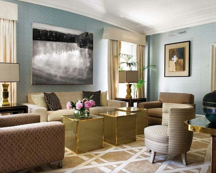 schöne wohnideen wohnzimmer teppichmuster vintage beistelltische blumen