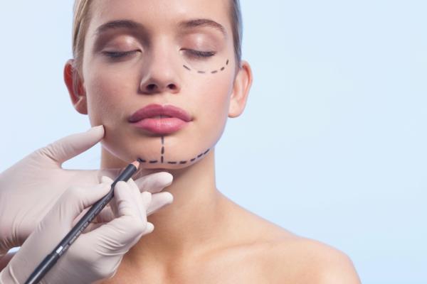 schönheitschirurgie kosmetik ästethische chirurgie facelifting schönes gesicht