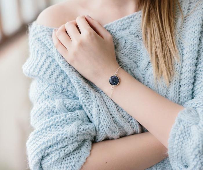 schmuckdesign juwelier fine ast juwelier planeten armreifen inszeniert