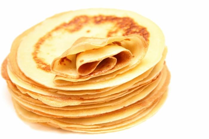 schnelles essen schnelles gesundes essen pfannkuchen auf teller