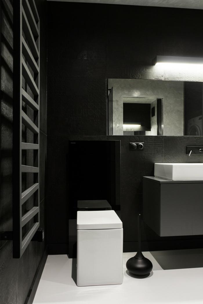 schwarze wandfarbe badezimmer einrichten weißer boden