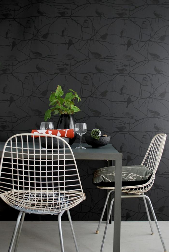 schwarze wandfarbe schwarze wandtapeten essbereich gestalten pflanze