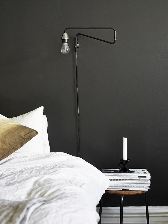 schwarze wandfarbe weiße bettwäsche wohnideen schlafzimmer