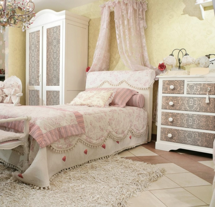 shabby chic kommode 39 inspirationen f r mehr romantische wohnlichkeit fresh ideen f r das. Black Bedroom Furniture Sets. Home Design Ideas