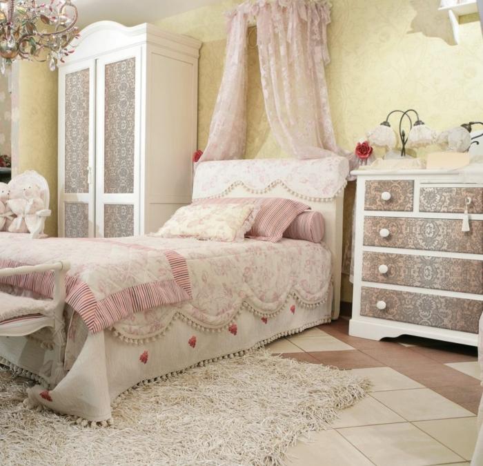 shabby chic kommode anrichte kleiderschrank muster klassisch hochflor teppich weiß schlafzimmer einrichtung