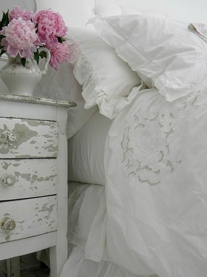 shabby chic kommode 39 inspirationen f r mehr romantische wohnlichkeit fresh ideen f r das. Black Bedroom Furniture Sets. Home Design Ideas