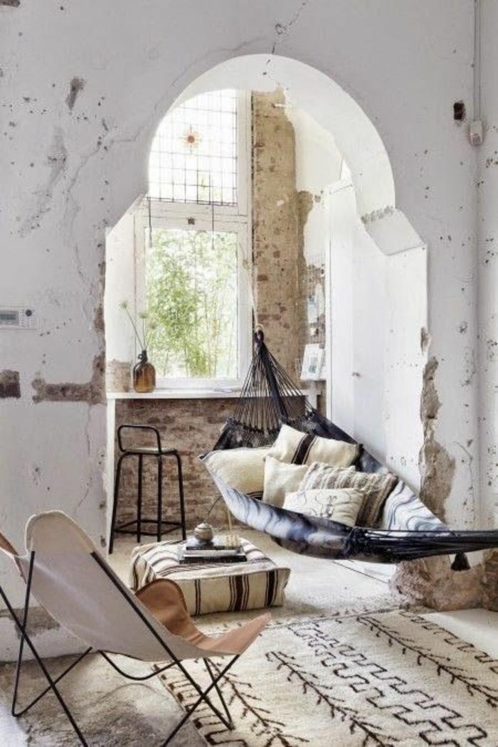 shabby chic möbel boho style hängematte kissen naturfasern naturstoffe teppich marokkanischer wohnstil