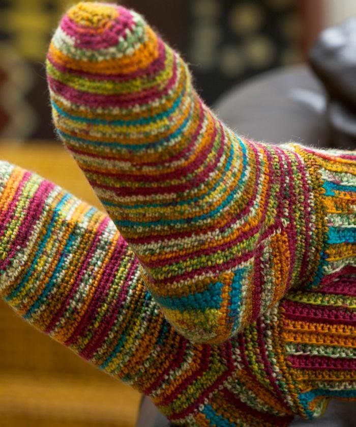 ferse stricken bunte socke strickmuster yogasocken warm
