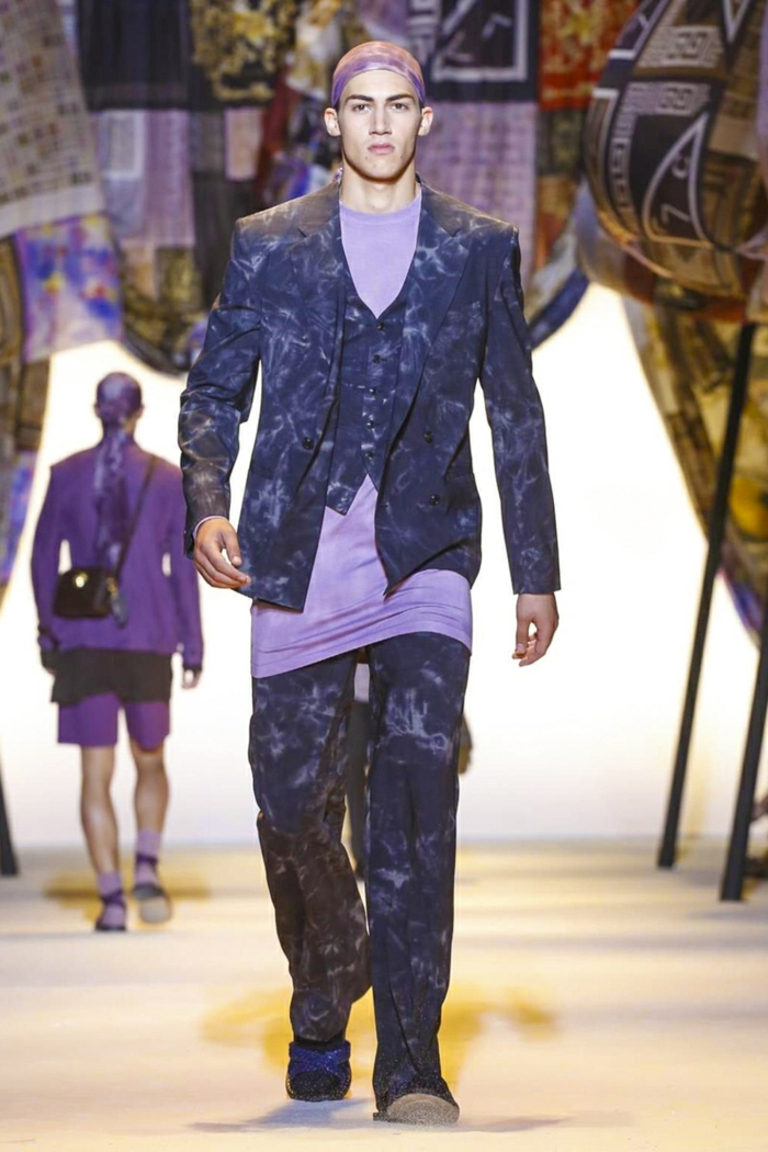 sommeroutfits versace 2016 sommermode batik stoff casual stil