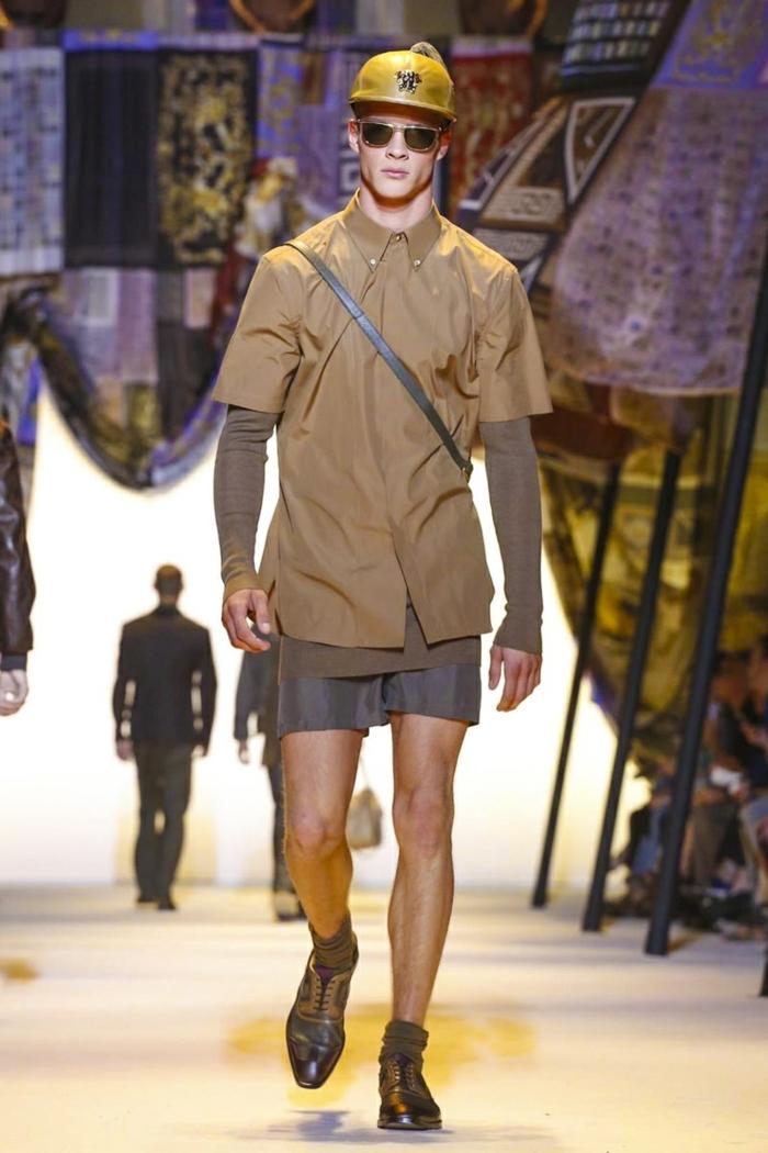 sommeroutfits versace 2016 herrenmode kurze hose hemd braun casual