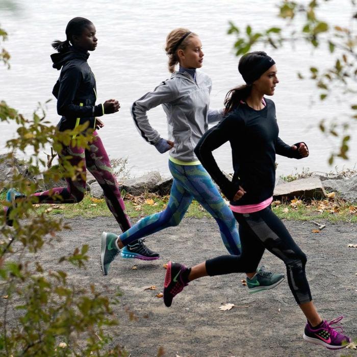 sportmode damen sportbekleidung damenmode oberteile jogginghose nike