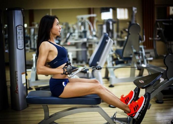 sportmode damen sportbekleidung outlet modetrends shorts sportbh fitness