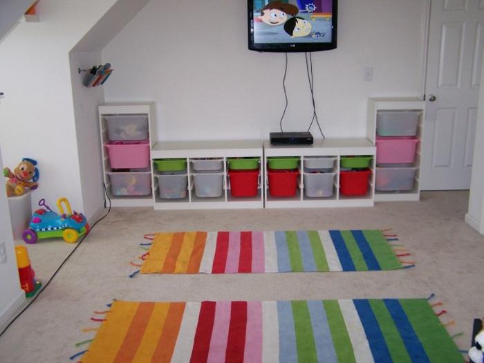 stauraum ideen kinderzimmer aufbewahrungskörbe teppichläufer streifen farbig