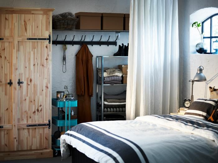 stauraum ideen wohnideen schlafzimmer gardine hözerner kleiderschrank