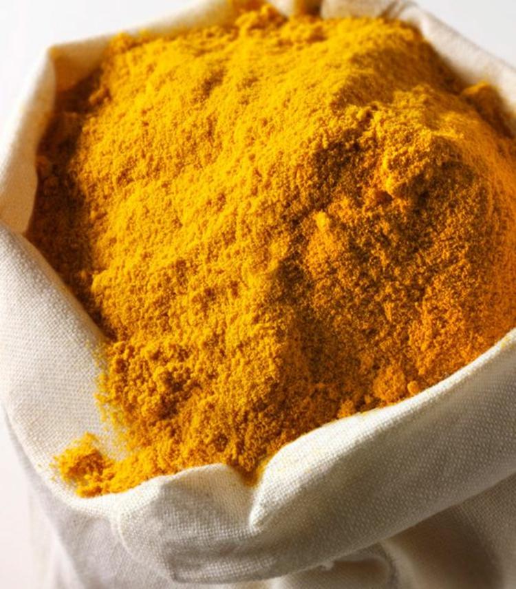 typische indische Gewürze Was ist Kurkuma Pulver