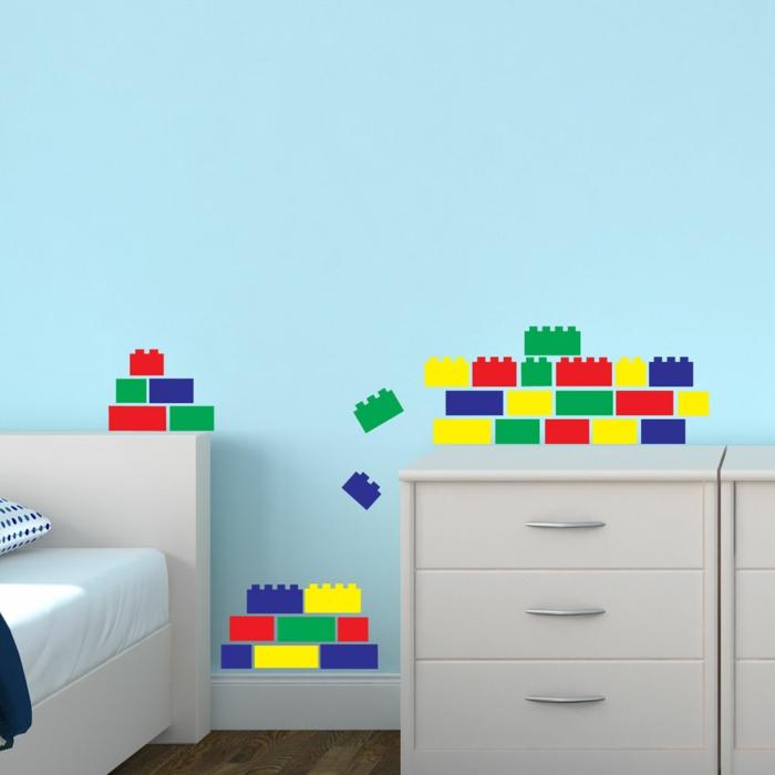 wandtattoos jungenzimmer lego farbig lustig hellblaue wandfarbe