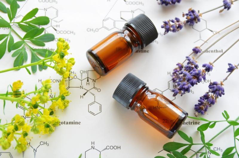 ätherische Öle Wirkung Aromaöl Krpäuter entspannende Duftöle