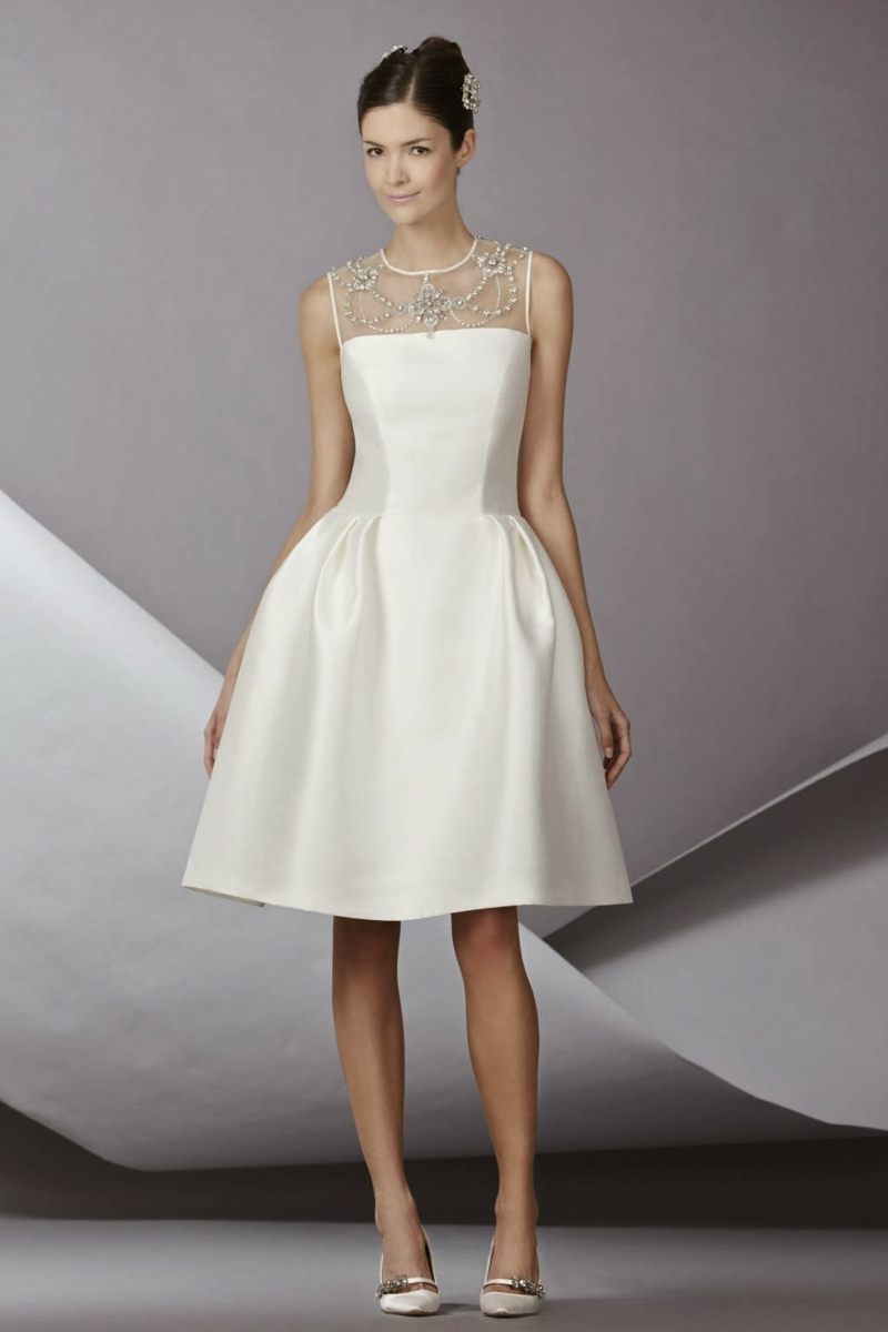 Brautmode Standesamt Kleid knielang Glöckenrock