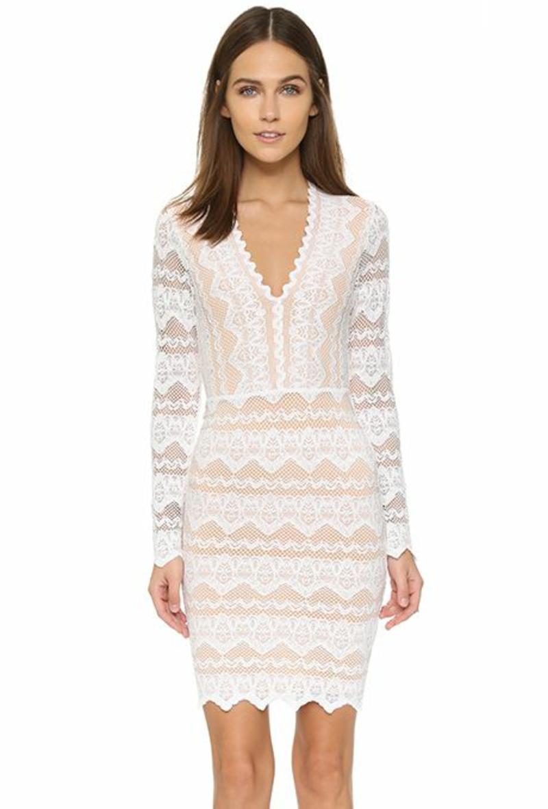 Brautmode kurzes Kleid für Standesamt aus Spitze körperbetonend