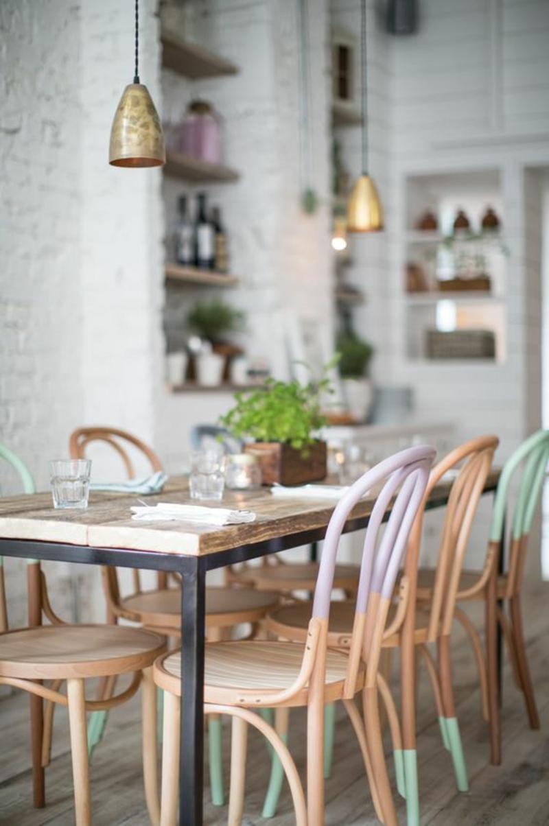 Esszimmerstühle Pastellfarben skandinavisches Design Einrichtungsbeispiele