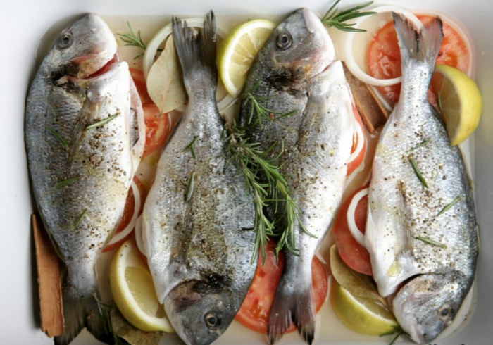 Fisch zubereiten frisches fleisch fisch fischmarkt