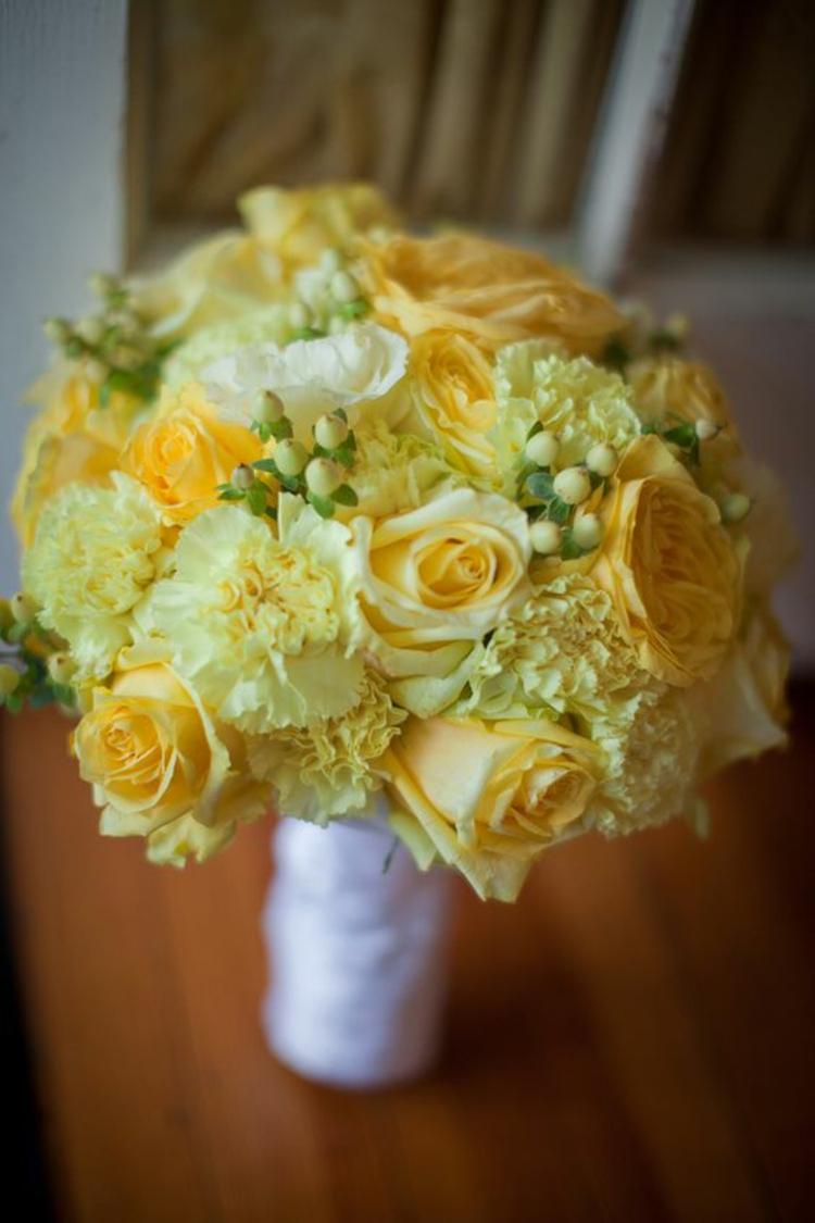Hochzeitsfeier Ideen Gelb Brautstrauß gelbe Rosen