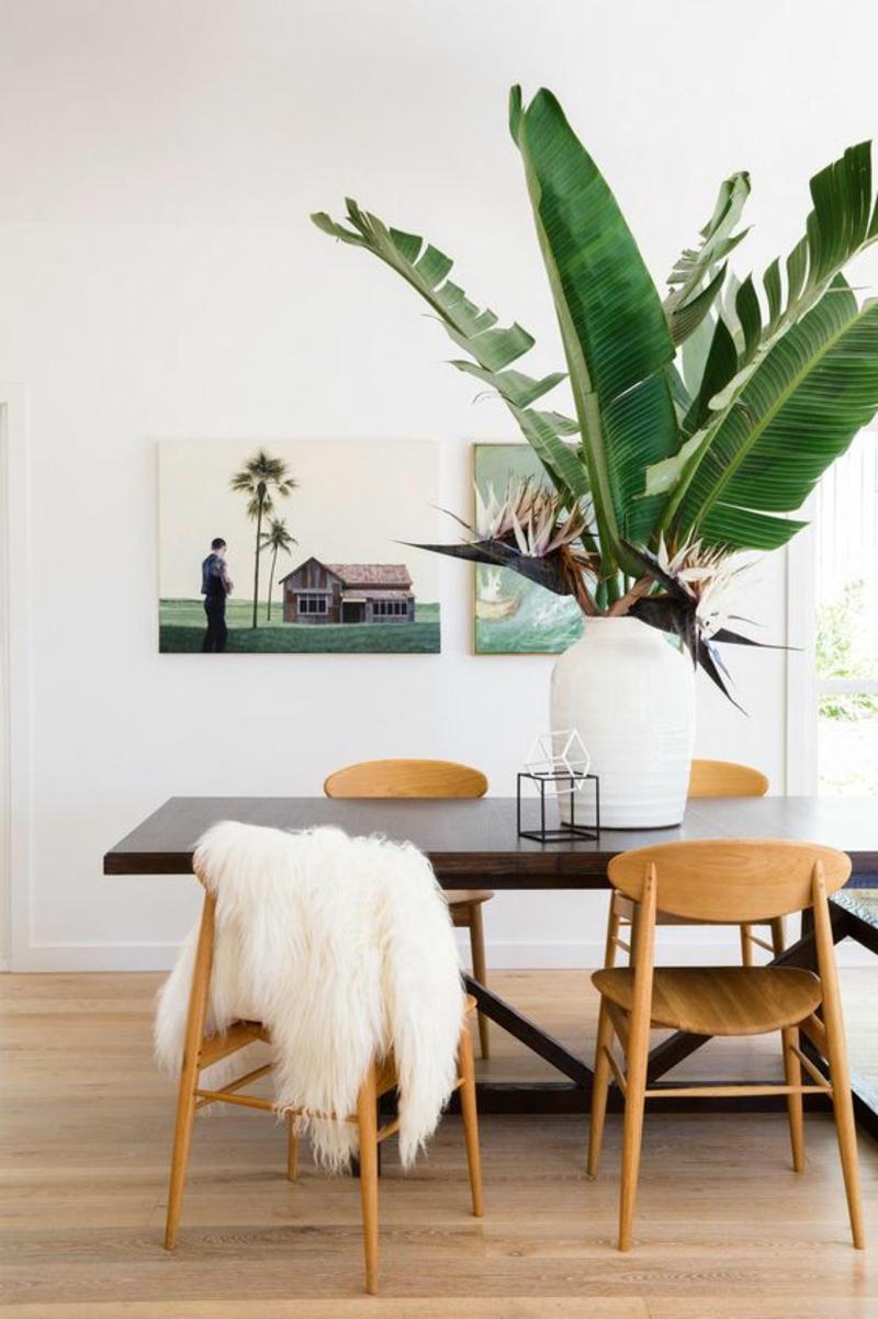 Inneneinrichtung planen Esszimmer Möbel Dekoartikel exotische Pflanze