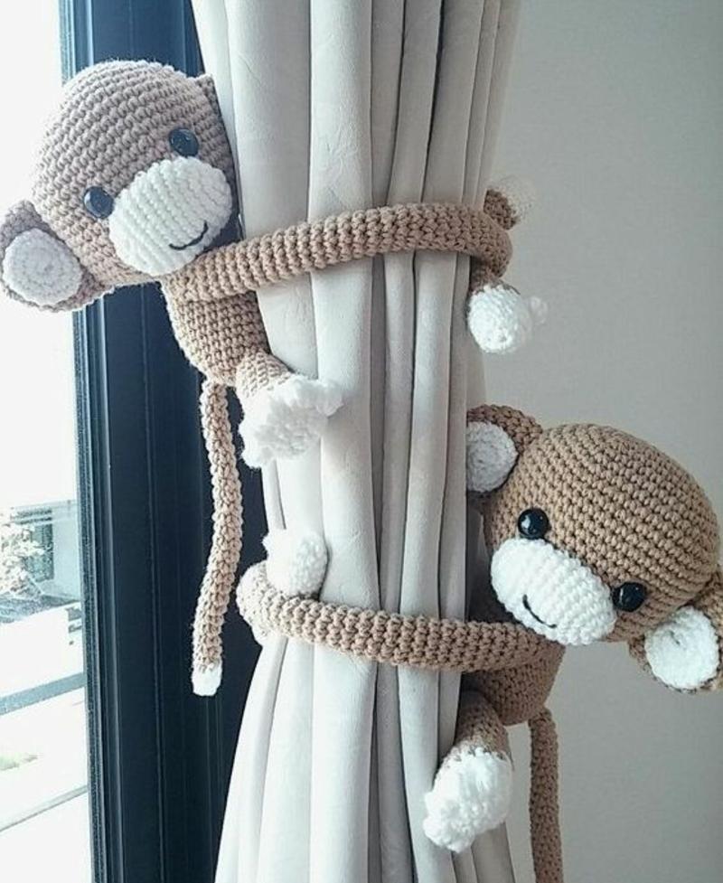 Kindergardinen mit lustigen Mustern beleben das Kinderzimmer