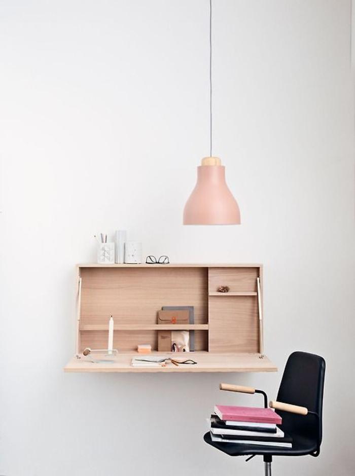 Klappschreibtisch kleines Home Office einrichten Wandschrank